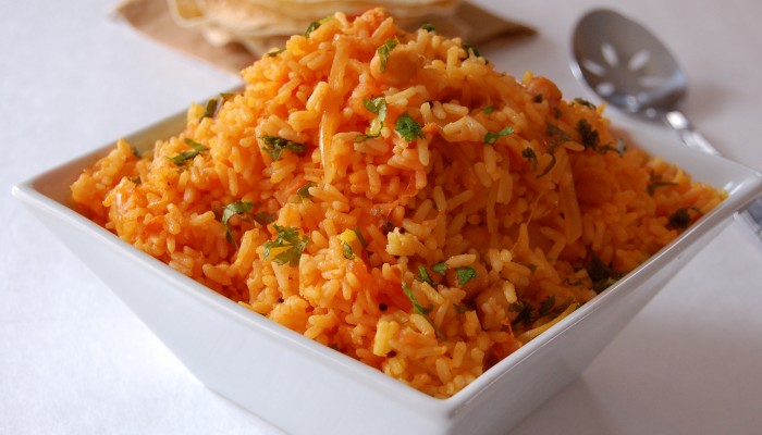 Tomato and Chickpea Rice with Minute® Rice