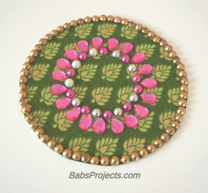 Circular Green Fabric Kundan Rangoli